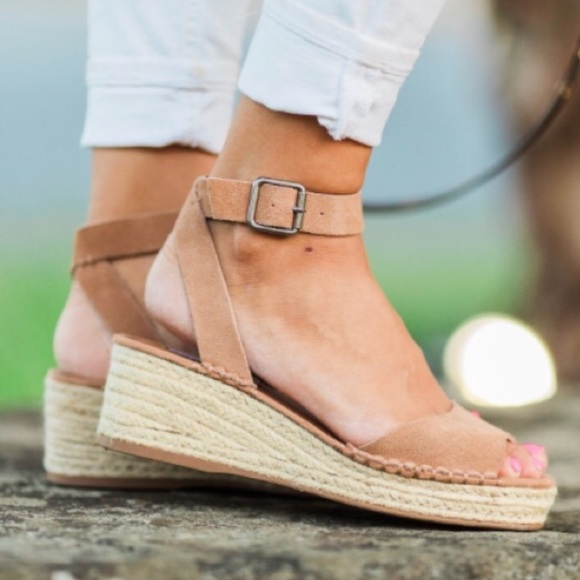 9555b6223a6 Steve Madden Tan Leather Elody Wedge Sandal
